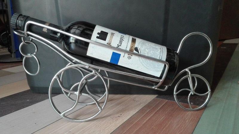 метална пластика поставка за вино гр. Кубрат - image 1