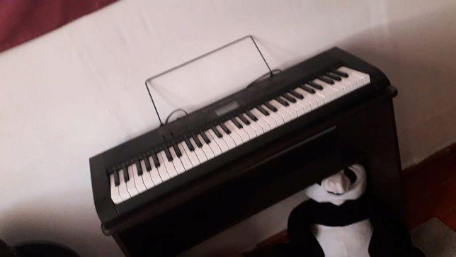 Продам синтезатор Casio CTK1150