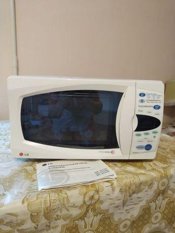 Микроволновая печь/гриль LG MB-4042W