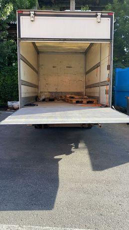 Duba sau camion cu lift ofer transport