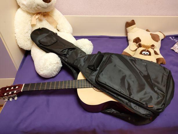 Продам гитару в отличном состоянии
