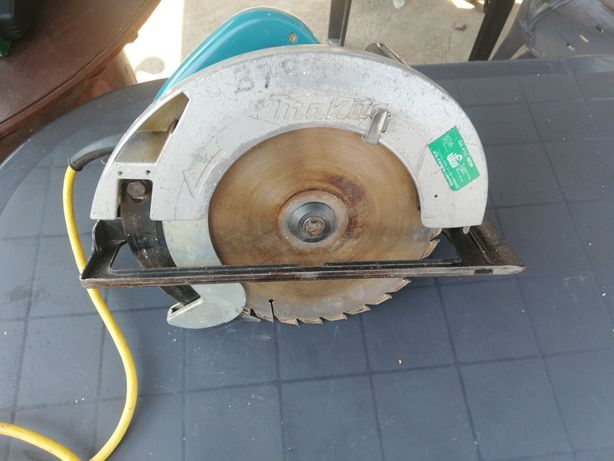 Circular makita 110v,1400w,235mm