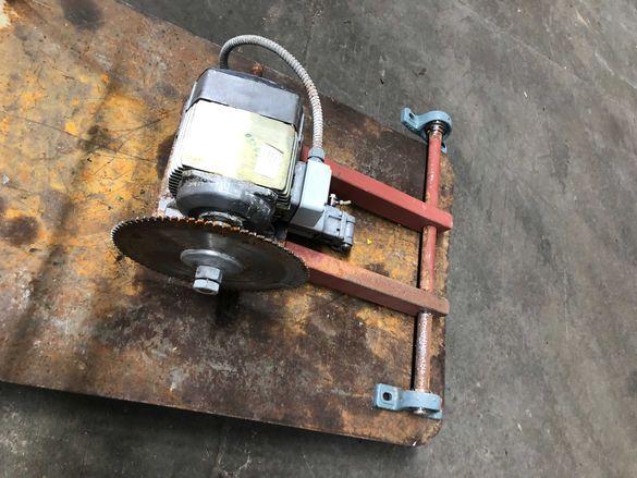 Ел.двигател/електродвигател с диск за рязане