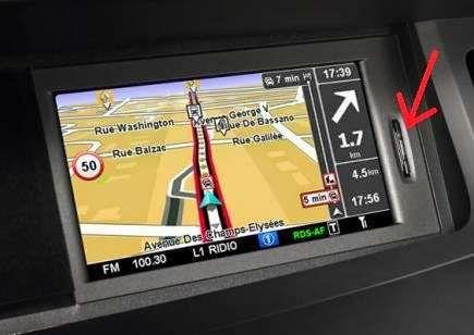 CARD navigatie Renault Clio Megane Fluence Carminat TOMTOM LIVE Rlink
