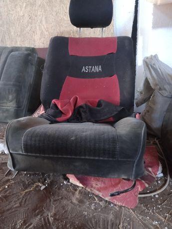 Продам сиденье от тайота Карина