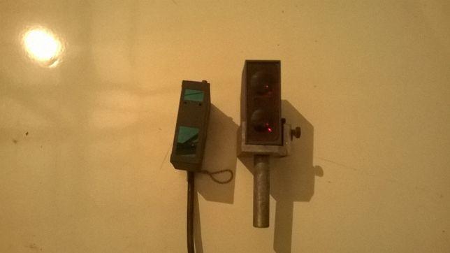 Senzori photoelectrici Omron.