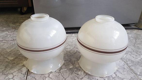 2 броя стъклени лампиони