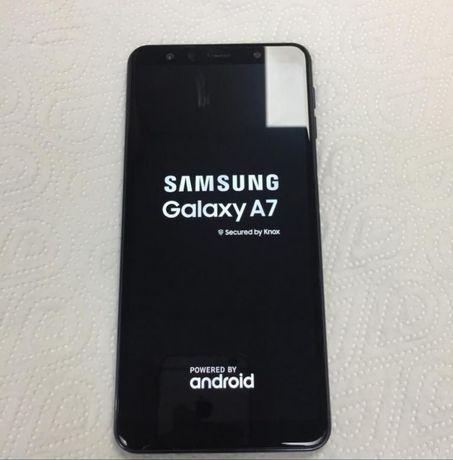 Продам Samsung А 7 2018 года в отличном состоянии