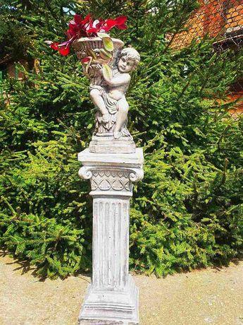 Декоративна градинска фигура:Момче с ваза