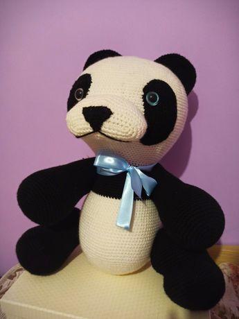 Плетена панда, подходяща за подарък