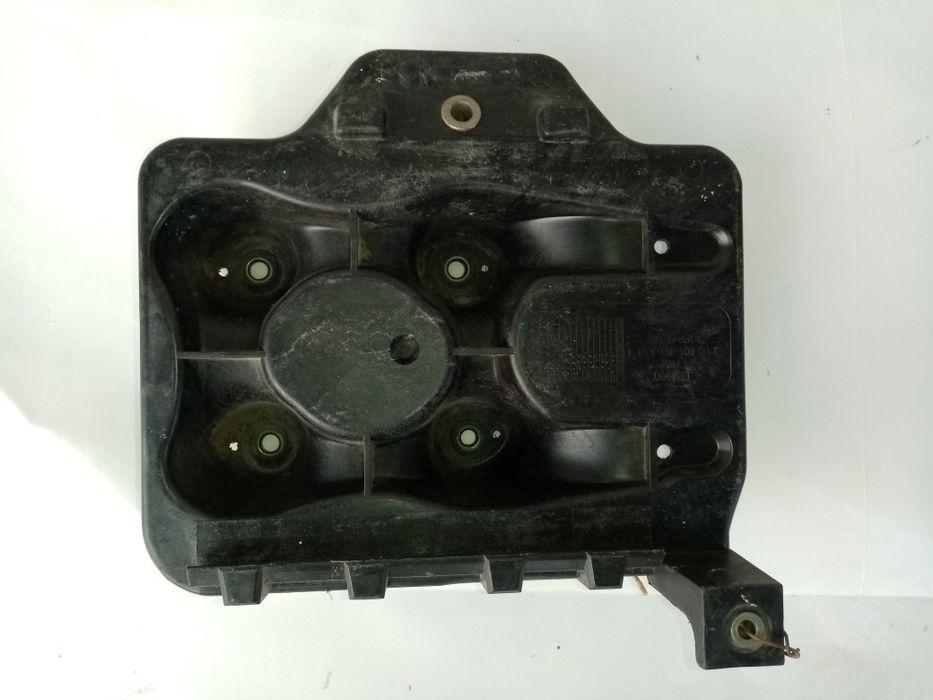Vând suport baterie Golf 4
