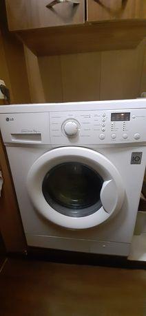 Продам стиральную машину автомат.
