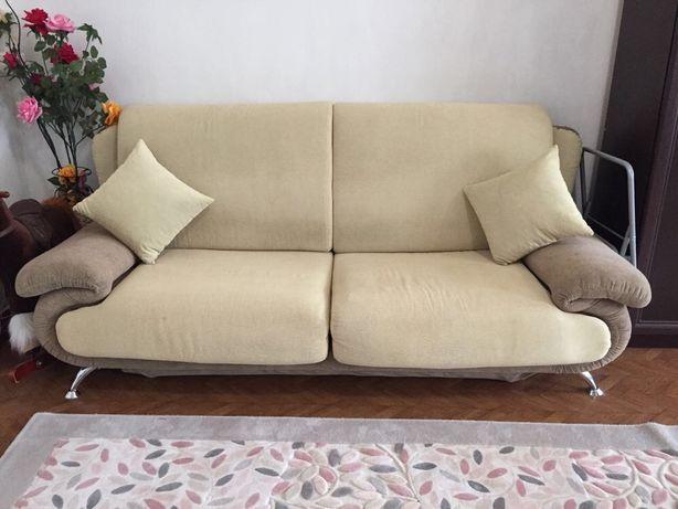 Продаётся диван+2 кресла!
