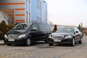 Луксозни автомобили и микробуси с шофьор под наем