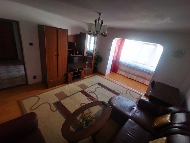 Vand apartament cu 4 camere complet mobilat si utilat (Burdujeni)
