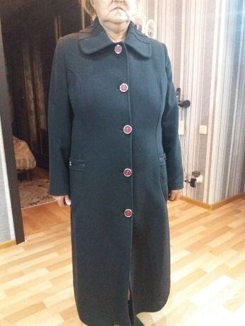 10 000 тенге. пальто в отличном состоянии кашемир. 48 50