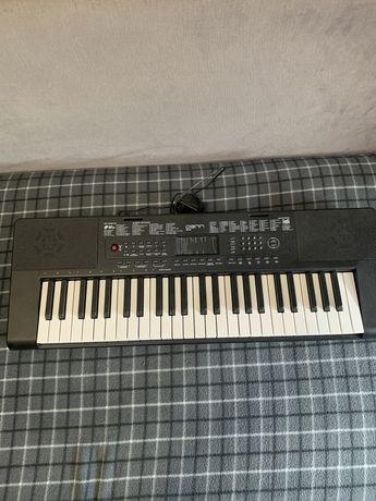 Синтезатор Dann DEK494