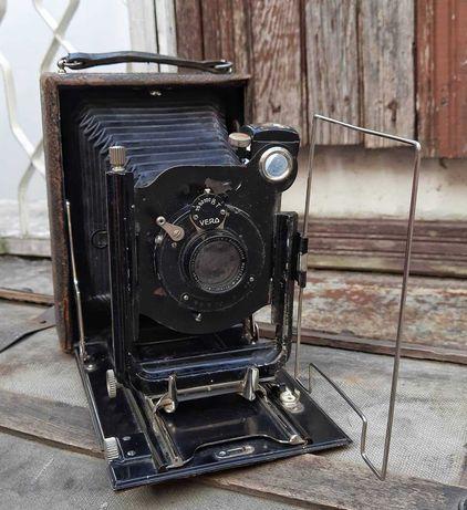 Много стар фотоапарат  с обектив VERO