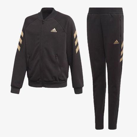 Оригинален спортен екип Adidas от две части в черен цвят