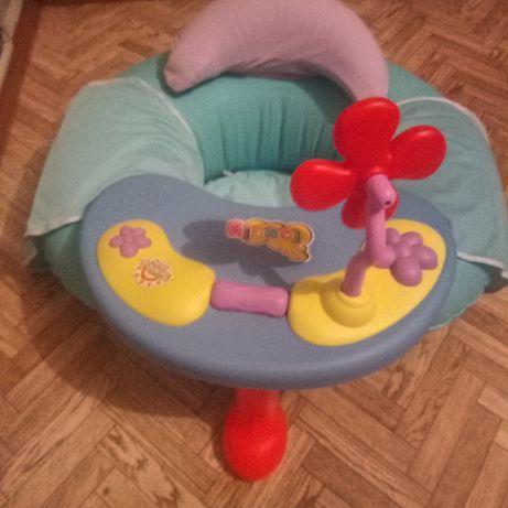 Детское кресло с музыкальным столиком