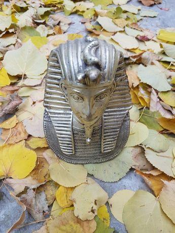 Statuie Tutanhamon
