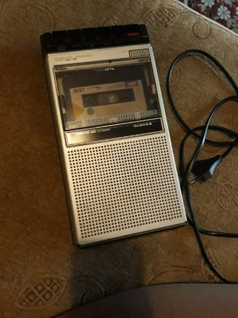 Sanyo cassette tape and recording