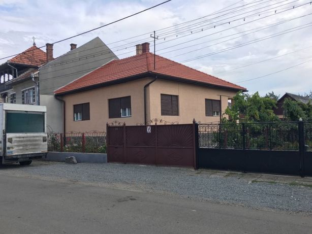 Vand casa in HUEDIN , str. violetelor nr. 19