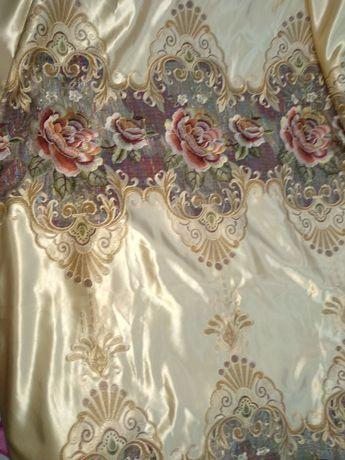 Продам шторы в комплекте с тюлем ,очень красивая, качественный.