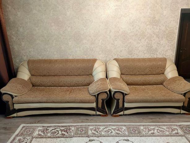 Продам 2-дивана и1- кресло