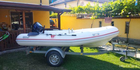 Надуваема лодка риб