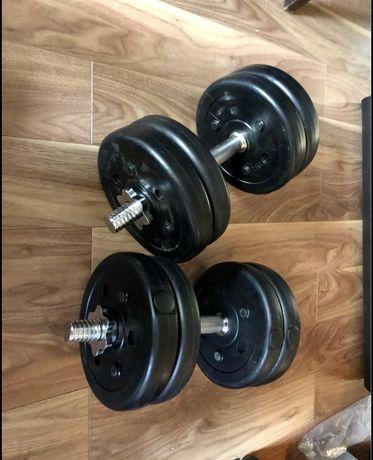 Gantere reglabile noi- 25 kg, 12,5+12,5=25 kg,  pret 250 ron setul.