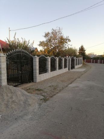 Bolțari cu model din beton pentru gard/ gard din beton