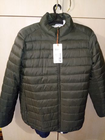 Продам куртку мужскую короткую осень весна новая