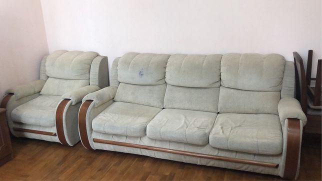 Продам диван, софу и кресло состояние среднее