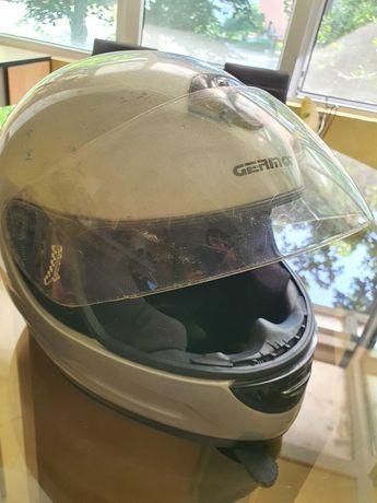 Продавам шлем размер L за мотор