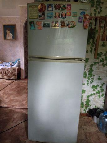 Продам холодильник Самсунг.