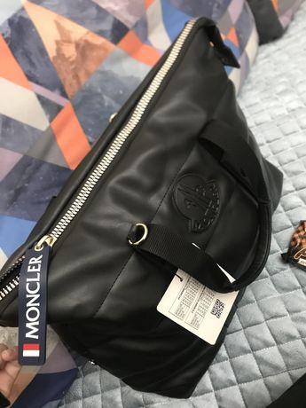 Новая сумка монклер! Привозили на поадрок!
