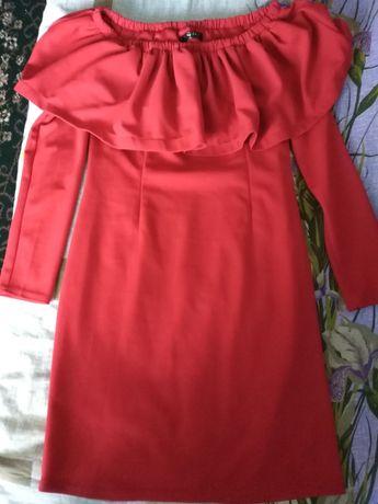 Продам женское платье и куртку демисезонную