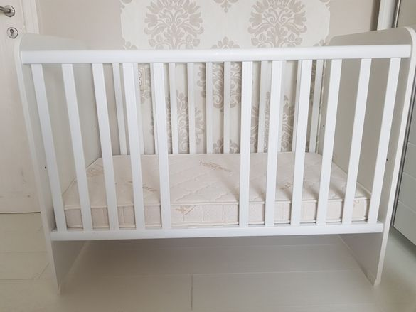 Бебешко креватче и матрак Magniflex