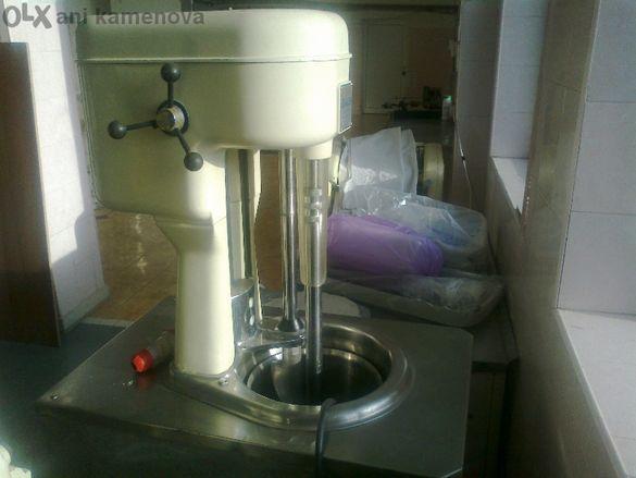 Машина за производство на сладолед карпиджани 2броя