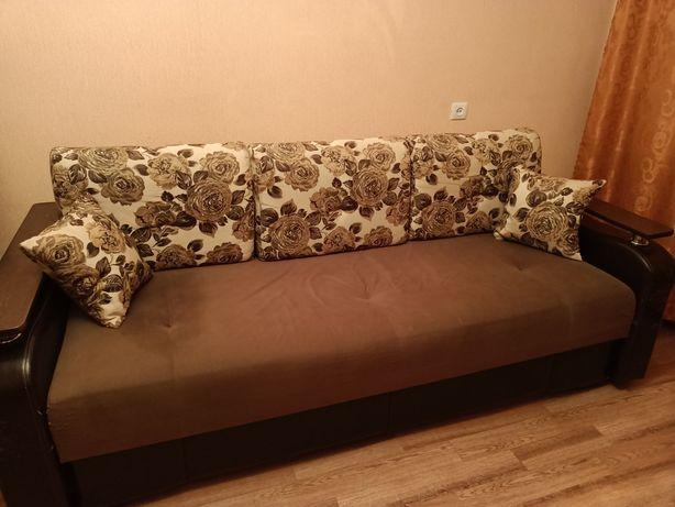 Продам диван с косяками
