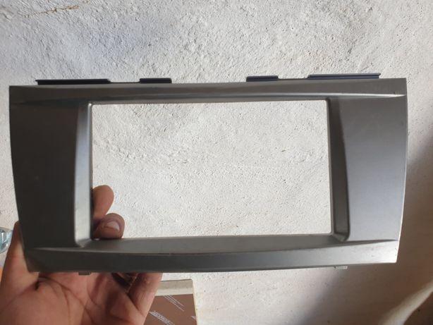 Рамка на 2 диновый магнитолу камри 40