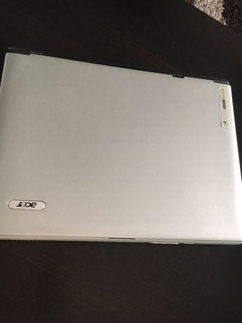 Laptop+ geanta + incarcator