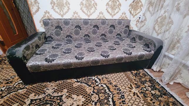 Продам диван ,состояние хорошее