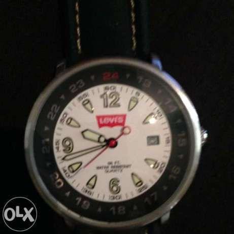 Часовник. Levis.