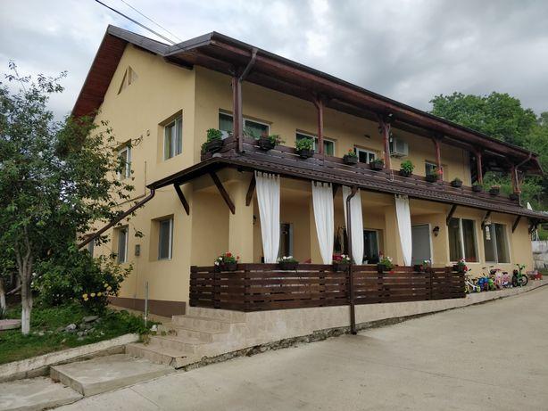 Casa/Vila P+1 , 7 camere, 234 mp , teren 1900 mp, Baicoi