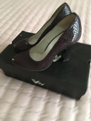 Pantofi 35 in stare foarte buna