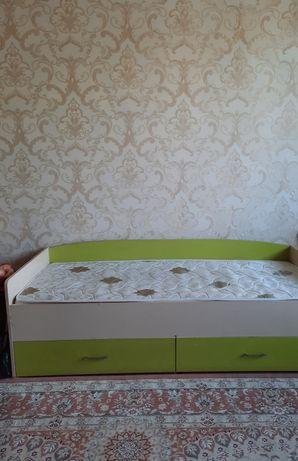 Продам кровать 20000