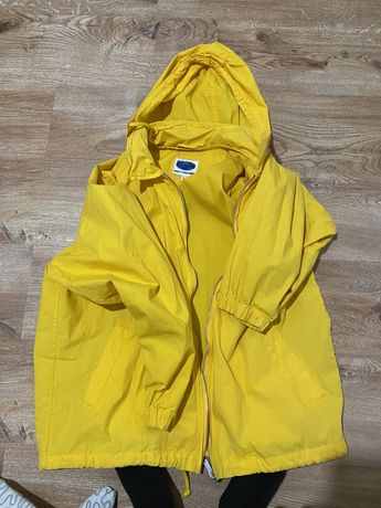 Тонкая куртка. размер M