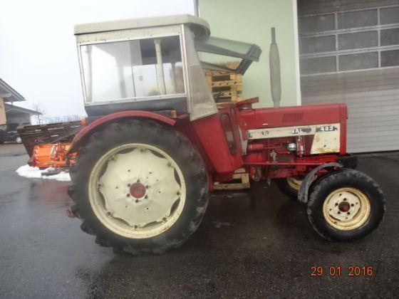 Dezmembrez Tractor case ihc 433 533